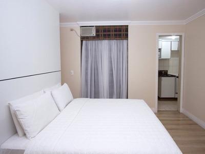 Flat Para Venda Em Curitiba, 1 Dormitorio, 1 Vaga De Garagem - V1194 - 31915674