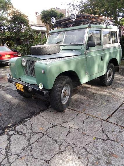 Land Rover Santana Safari