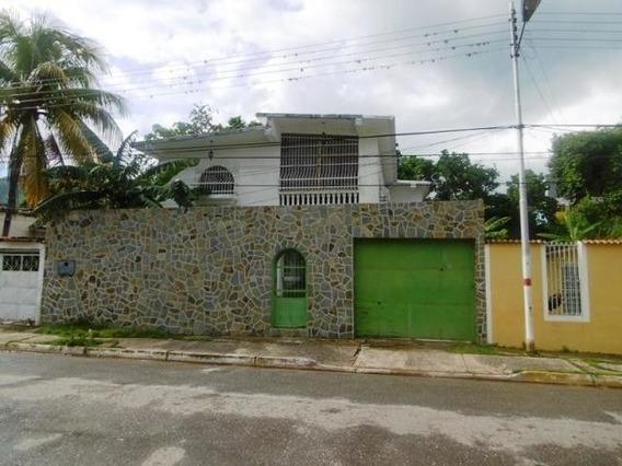 Casa En Venta La Candelaria Maracay Cod.20-7027