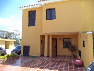 Rab Se Vende Bello Y Amplio Town House En San Diego