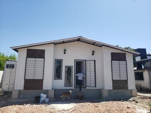 Cabaña Con Contenedores 20 Pies Y Prefabricado Hasta 3 Dorm.