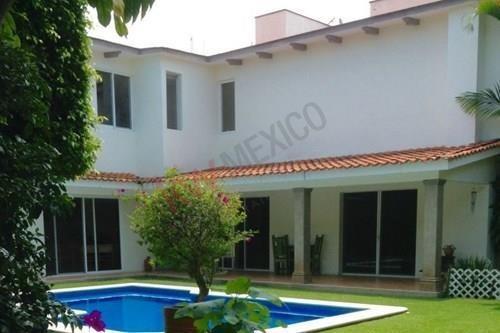 Casa En Venta, Calz. De Lo Reyes, Cuernavaca - Clave: 1343-2052ad