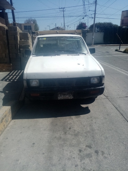 Nissan Pick-up Estacas