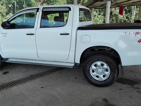 Toyota Hilux 4 X4 2011