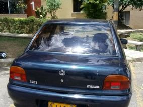 Mazda 121 Seda