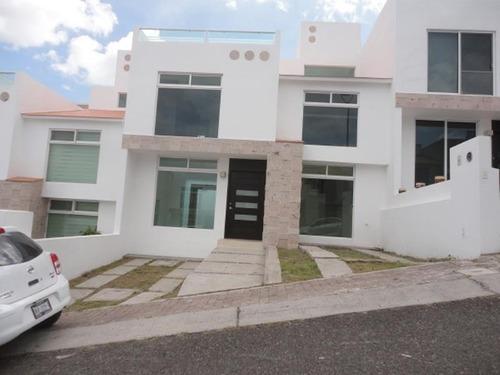 Casa Sola En Venta Punta Opalo