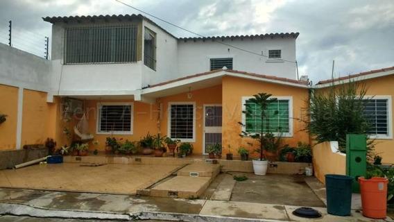 Casa Venta Barquisimeto Hacienda Yucatan 20-9374 Jg