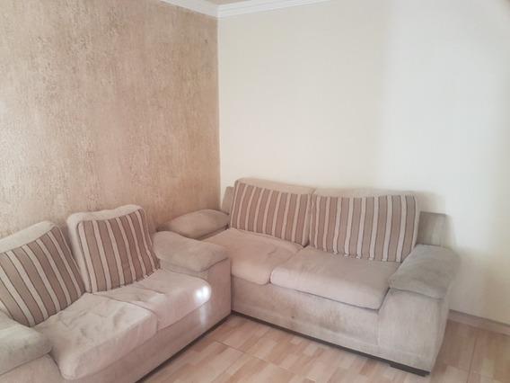 Alugo Apartamento 2 Quartos, Sala Cozinha, Banheiro, Garagem