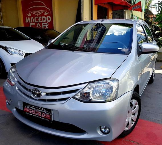 Toyota Etios Hatch 1.5 Xs 2014 Prata
