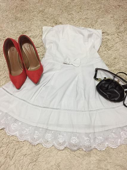 Lote Com 15 Peças De Roupa Entre Vestidos E Blusas