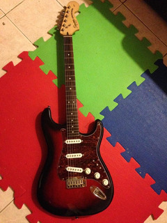Guitarra Squier By Fender Standard Impecable.ed Lim, Permuto
