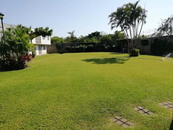 Casa Con 4 Recamaras, Increíble Jardín