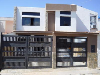 Rab Se Vende Comoda Y Funcional Casa En La Esmeralda