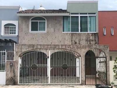 Venta De Casa En Residencial La Esperanza En Fluvial Vallarta