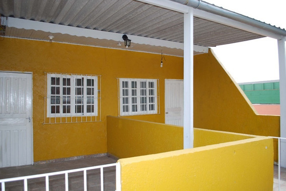 Aluguel Casa 4 Cômodos,1 Banheiro, Quintal Na Zona Leste
