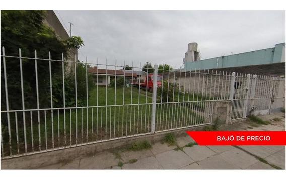 Casa 4 Amb 397m Con Gran Jardín Y Pileta Moron