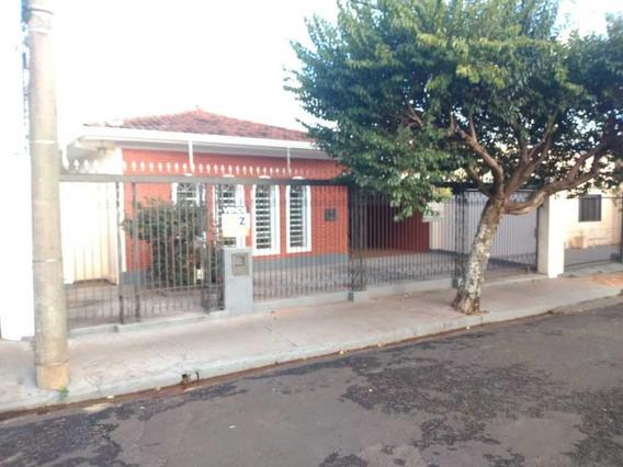 Venda De Casas / Padrão Na Cidade De Araraquara 9500