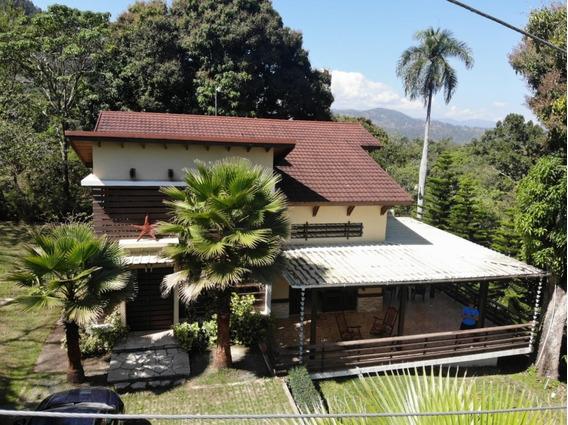 Vendo Villa En La Zona Jamaca De Dios, Jarabacoa Rd.