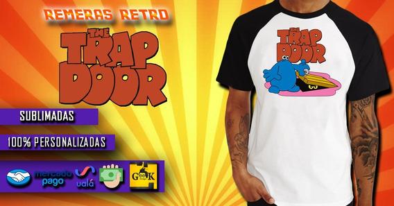 The Trap Door (la Puerta Del Sotano) Remera Retro