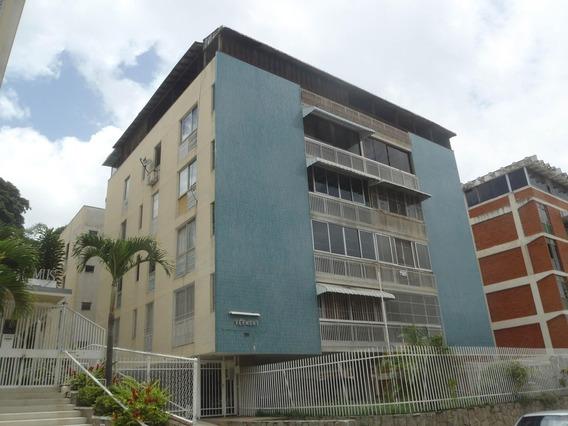 Apartamento En Venta En Cumbres De Curumo Rent A House @tubieninmuebles Mls 20-18148