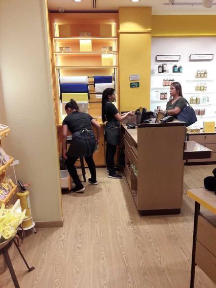 Venta De Local Rentando En Centro Comercial