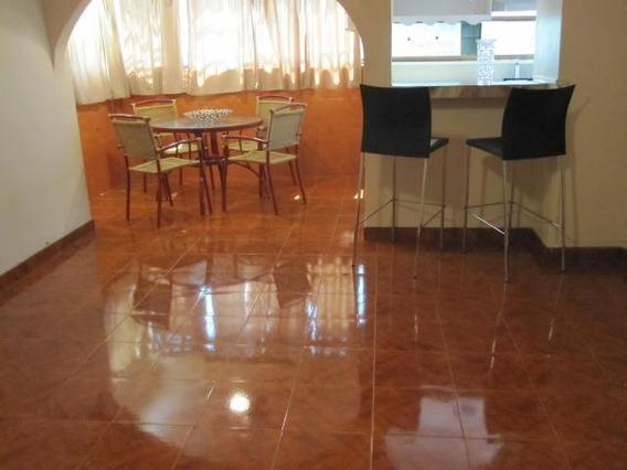 Se Vende Apartamento En Resd Luis Xv Mm 19-19568