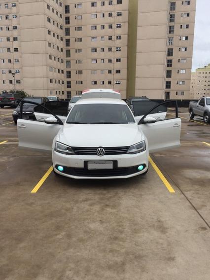 Volkswagen Jetta 2.o Comfortline Flex 4p.