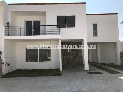 Casa Chantal En Pre-venta En Fracc. Colinas Campestre, Tx.