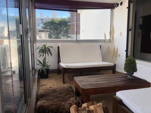 Se Alquila Hermoso Apartamento A 3 Cuadras De La Rambla.