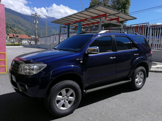 Toyota Fortuner 4x4 2011 Azul