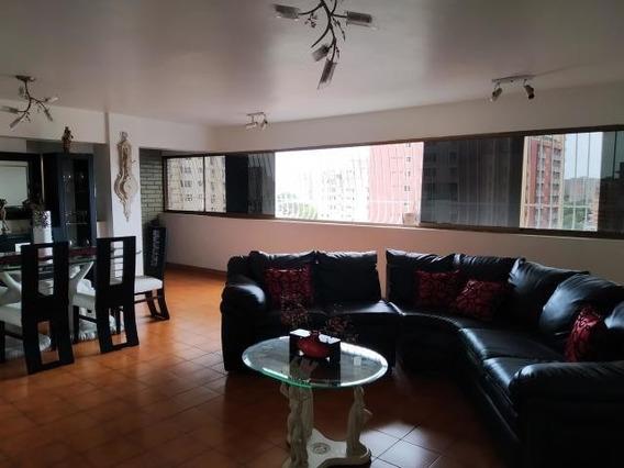 Venta De Apartamento En Maracay En Los Caobos 20-18433 Mv