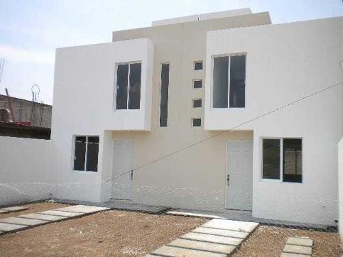 Casa Pre-venta En Colonia Odisea Atzompa Oaxaca.