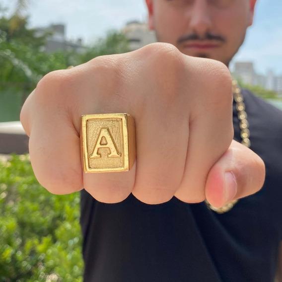 Anel Masculino Quadrado Com Letra Banhado A Ouro 18k