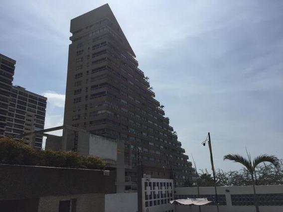 Cm Venta De Apartamento Mls#17-4928 Playa Grande,vargas