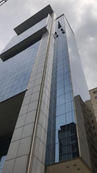 Conjunto Em Itaim Bibi, São Paulo/sp De 72m² Para Locação R$ 10.000,00/mes - Cj210102