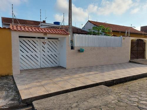 Imagem 1 de 15 de Casa Para Venda Em Itanhaém, Jardim Jamaica, 3 Dormitórios, 1 Suíte, 3 Banheiros, 5 Vagas - It842_2-1193925