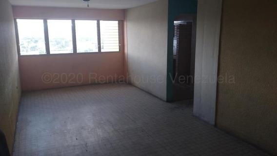Apartamento En Venta Zona Oeste Barquisimeto 20-24151 Jg