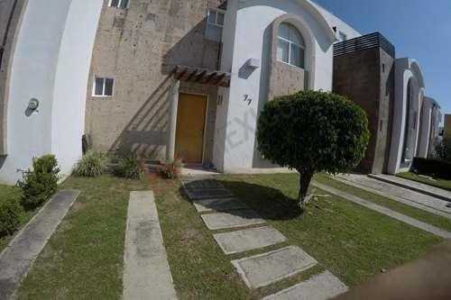 Casa Semi Amueblada En Renta Fracc. Porta Real
