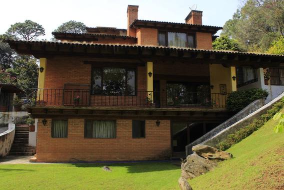 Casa Vallesana Con Amplio Jardín
