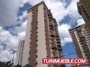 Apartamento En Venta En Urbanizacion El Centro 19-7860 Jev