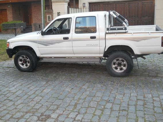 Toyota Hilux Dlx 4x4 Doble Cabina