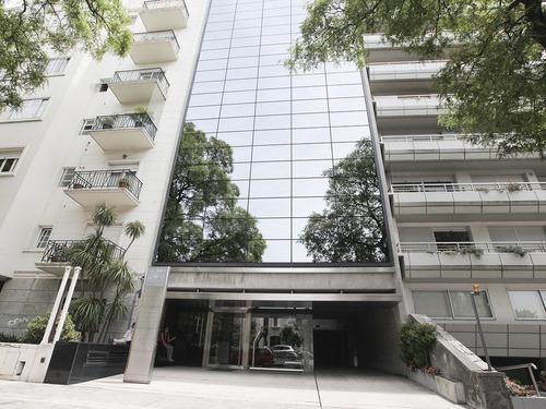 Oficina Con Renta En Gamma Tower Ref. 4084