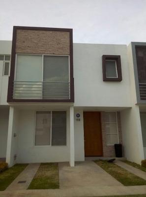 Casa En Renta En La Venta Del Astillero En Zapopan