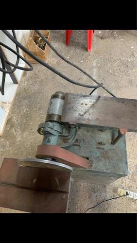 Imagem 1 de 5 de Máquina Lixadeira