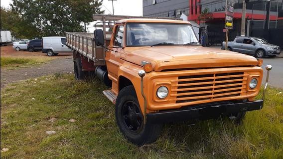 Caminhão Ford F13000
