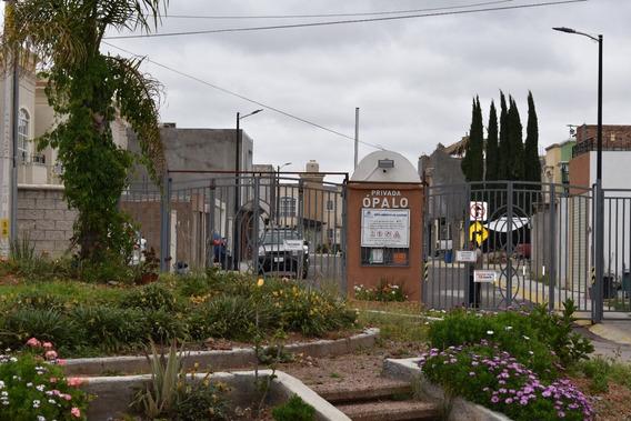 Se Vende Casa De Dos Plantas En Privada Ópalo (mina Azul)