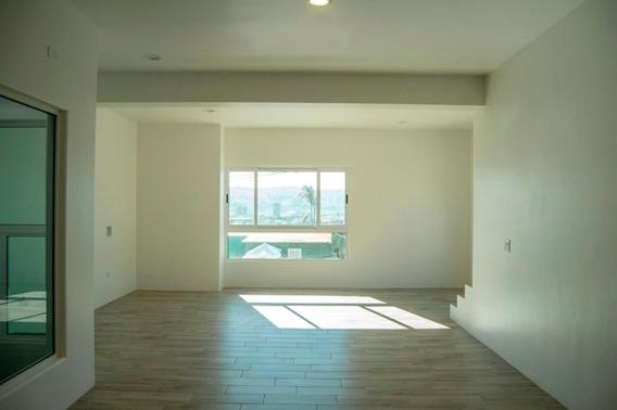 Casa En Venta En Col.libertad, En Tijuana B.c