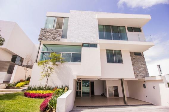 Casa En Venta En Puerta Las Lomas, Zapopan
