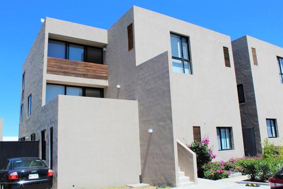 Qh Se Renta Duplex En Zibata De 3 Recamaras Y 3 Baños 160 Mt