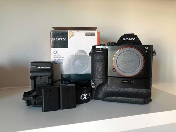 Câmera Sony A7 + Grip Original + 2 Baterias Originais